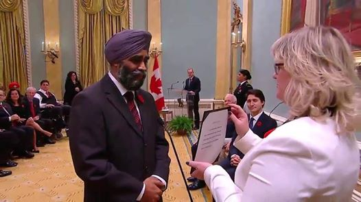 Harjit Singh Sajjan takes his oath of office as Minister of National Defence.